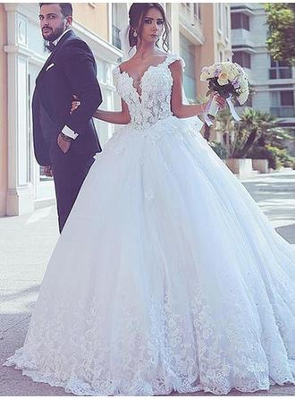 Glamorous Sweep Train Ball-Gown Wedding Dresses V-neck Tulle Sleeveless