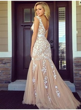 Tulle Sleeveless Sheath/Column Prom Dresses Scoop Neck Appliques Lace Floor-Length