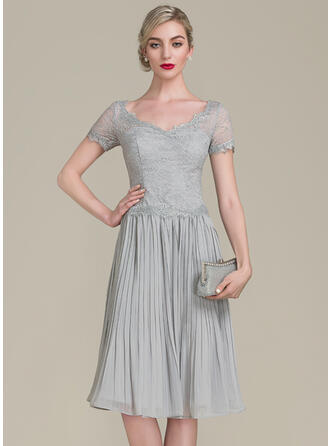 A-Line V-neck Knee-Length Chiffon Lace Mother of the Bride Dress With Ruffle