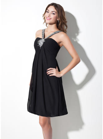 Empire V-neck Knee-Length Chiffon Homecoming Dresses With Ruffle Beading
