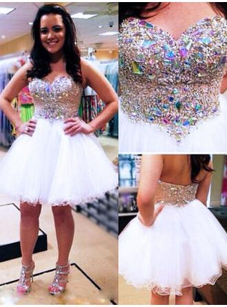 A-Line/Princess Sweetheart Tulle Sleeveless Knee-Length Beading Cocktail Dresses