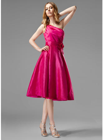Taffeta Sleeveless A-Line/Princess Bridesmaid Dresses One-Shoulder Ruffle Flower(s) Knee-Length