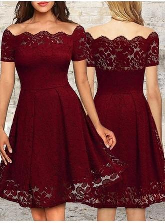 Luxurious Homecoming Dresses A-Line/Princess Knee-Length Off-the-Shoulder Short Sleeves