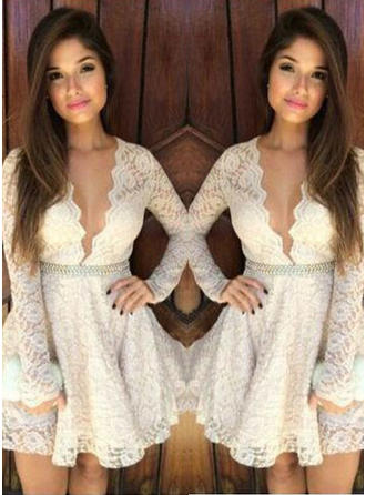 A-Line/Princess V-neck Lace Long Sleeves Short/Mini Beading Homecoming Dresses
