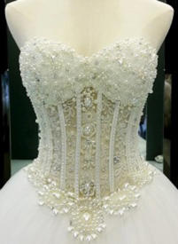 Ball-Gown Sweetheart Court Train Wedding Dress With Beading Appliques Lace