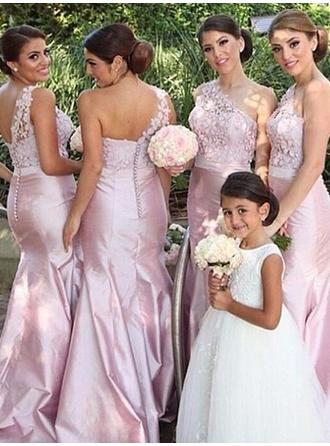 Satin Sleeveless Trumpet/Mermaid Bridesmaid Dresses One-Shoulder Appliques Lace Floor-Length