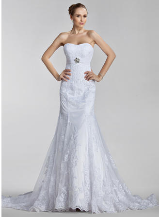 Trumpet/Mermaid Court Train Wedding Dress With Ruffle Appliques Lace Crystal Brooch