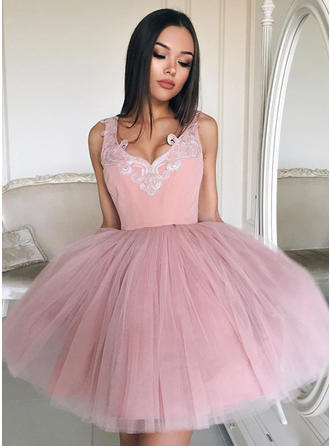 Ball-Gown Tulle Cocktail Dresses Appliques Lace V-neck Sleeveless Short/Mini