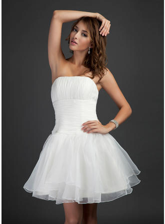 A-Line/Princess Strapless Short/Mini Organza Cocktail Dress With Ruffle