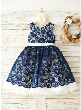 A-Line/Princess Knee-length Flower Girl Dress - Lace Sleeveless Scoop Neck With Lace/Rhinestone