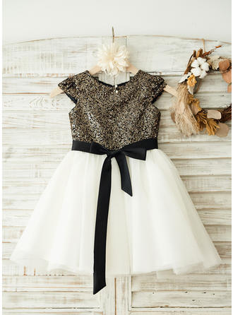 A-Line/Princess Scoop Neck Knee-length With Sash/Sequins/Bow(s) Tulle/Sequined Flower Girl Dresses