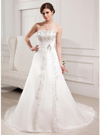 A-Line/Princess Sweetheart Chapel Train Wedding Dresses With Beading