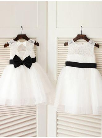 A-Line/Princess Scoop Neck Knee-length With Bow(s) Tulle/Lace Flower Girl Dresses