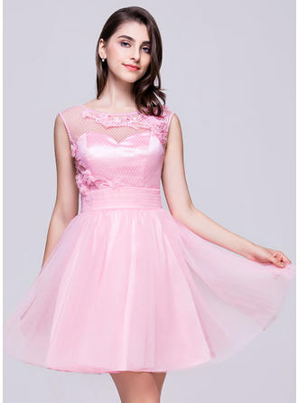 A-Line/Princess Short/Mini Tulle Scoop Neck Homecoming Dresses