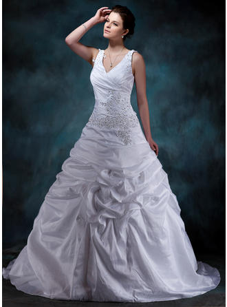 A-Line/Princess Court Train Wedding Dress With Ruffle Beading Appliques Lace