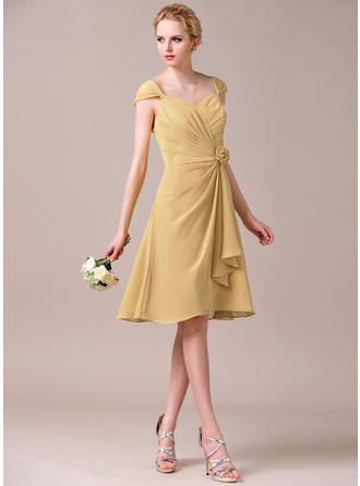 Chiffon Sleeveless A-Line/Princess Bridesmaid Dresses Sweetheart Flower(s) Cascading Ruffles Knee-Length