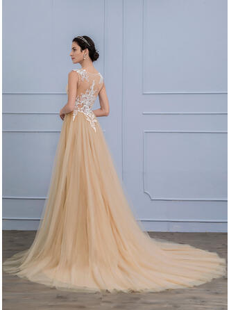 A-Line/Princess Scoop Neck Court Train Tulle Wedding Dress