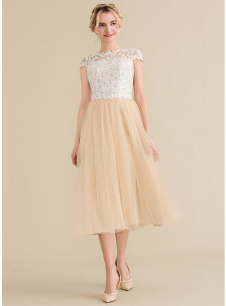 A-Line/Princess Scoop Neck Tea-Length Tulle Lace Bridesmaid Dress
