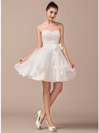 A-Line/Princess Sweetheart Short/Mini Lace Wedding Dress With Bow(s)