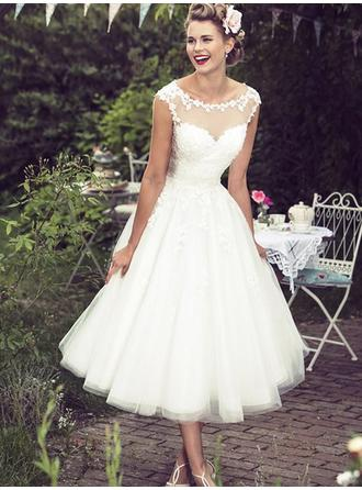 A-Line/Princess Scoop Tea-Length Wedding Dresses With Lace
