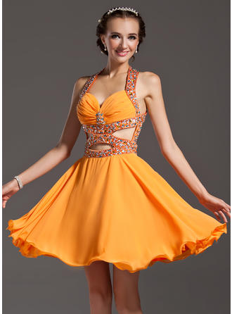 A-Line/Princess Halter Chiffon Sleeveless Knee-Length Ruffle Beading Homecoming Dresses