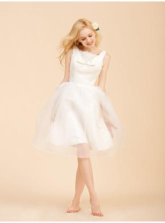 A-Line/Princess Square Knee-Length Wedding Dresses With Lace Bow(s)