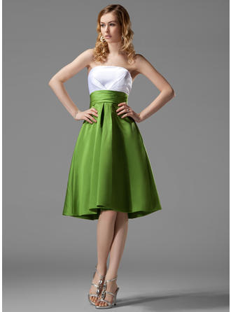 Satin Sleeveless Empire Bridesmaid Dresses Strapless Ruffle Knee-Length