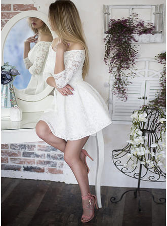 Ruffle A-Line/Princess Short/Mini Lace Homecoming Dresses