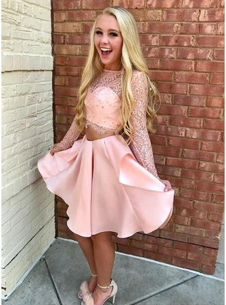 A-Line/Princess Scoop Neck Long Sleeves Short/Mini Lace Homecoming Dresses