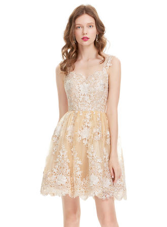 A-Line/Princess Sweetheart Tulle Lace Sleeveless Knee-Length Homecoming Dresses