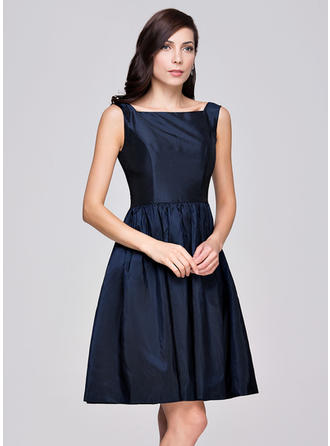 Taffeta Sleeveless A-Line/Princess Bridesmaid Dresses Square Neckline Ruffle Knee-Length