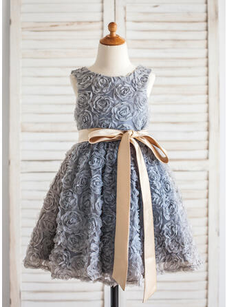A-Line/Princess Knee-length Flower Girl Dress - Lace Sleeveless Scoop Neck With Sash/Flower(s)