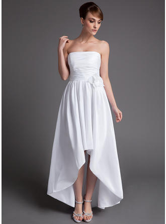 2019 New Asymmetrical A-Line/Princess Wedding Dresses Strapless Taffeta Sleeveless