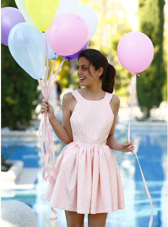 A-Line/Princess Scoop Neck Short/Mini Homecoming Dresses With Lace