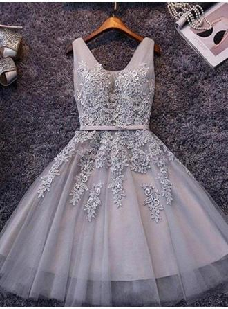 A-Line/Princess Chiffon Cocktail Dresses Sash Appliques Lace V-neck Sleeveless Short/Mini