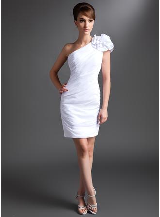 Etui-Linie Eine Schulter Chiffon Ärmellos Kurz/Mini Rüschen Blumen Kleider für die Brautmutter (008211421)