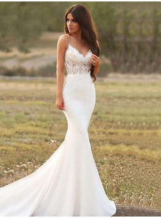 Trumpet/Mermaid V-neck Court Train Wedding Dresses With Appliques