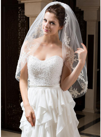 Fingertip Bridal Veils Tulle One-tier Oval With Cut Edge Wedding Veils