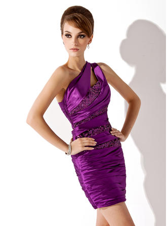 Stunning Sheath/Column General Plus Charmeuse Sequined Cocktail Dresses