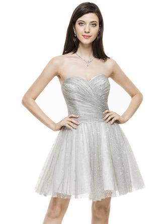 A-Line/Princess Sweetheart Lace Sleeveless Knee-Length Ruffle Cocktail Dresses