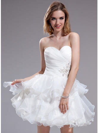 A-Line/Princess Sweetheart Short/Mini Organza Homecoming Dresses With Beading Appliques Lace Cascading Ruffles