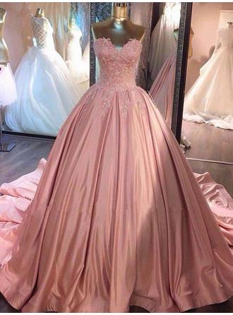 Satin Sleeveless Ball-Gown Prom Dresses Sweetheart Lace Court Train