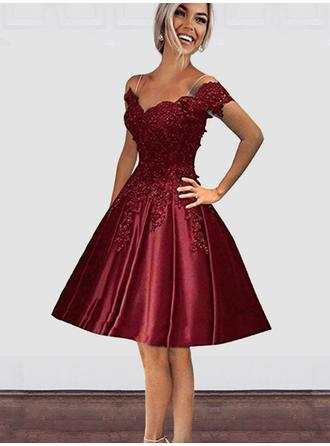 A-Line/Princess Satin Cocktail Dresses Beading Appliques Off-the-Shoulder Short Sleeves Knee-Length