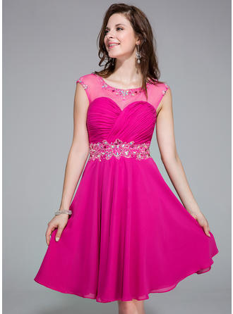 A-Line/Princess Scoop Neck Knee-Length Chiffon Homecoming Dresses With Ruffle Beading Sequins
