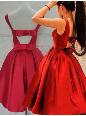 A-Line/Princess Scoop Neck Knee-Length Taffeta Homecoming Dresses With Ruffle Bow(s)