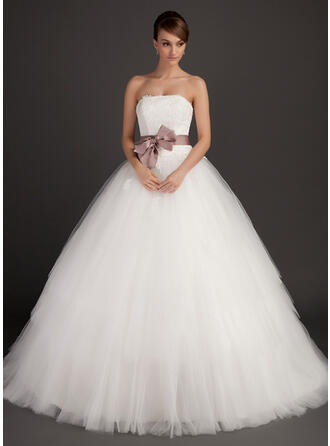 Ball-Gown Strapless Sweep Train Tulle Wedding Dress With Sash Appliques Lace Bow(s)