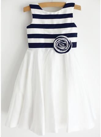 Stunning Scoop Neck A-Line/Princess Flower Girl Dresses Knee-length Taffeta Sleeveless