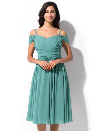 Chic Chiffon Prom Dresses A-Line/Princess Knee-Length Off-the-Shoulder Sleeveless
