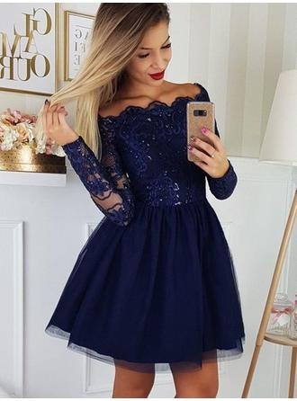 A-Line/Princess Short/Mini Tulle Off-the-Shoulder Homecoming Dresses
