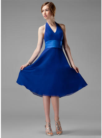 Chiffon Sleeveless A-Line/Princess Bridesmaid Dresses Halter Ruffle Knee-Length